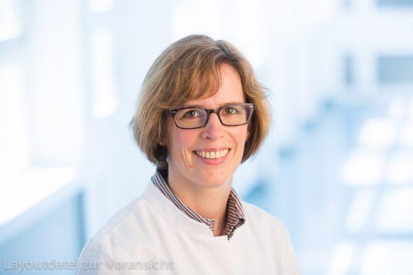 Frau Huelmann, Apotheke