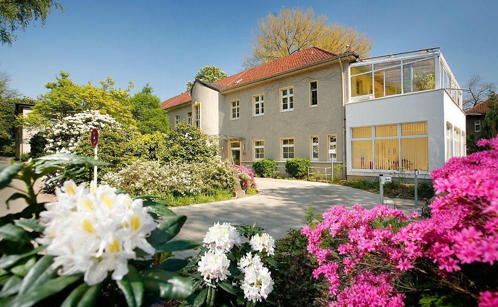 Die Geratrie Essen-Steele hat einen Hof voller Blumen