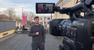 KEM-Pfleger gibt Interview für das WDR-Fernsehen